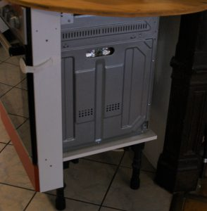 Projekt - Bücherregal als Küchenverkleidung an Säule