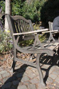 Gusseiserner Stuhl